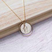 Collier ellipse, grande médaille et mini breloque plaqué Or
