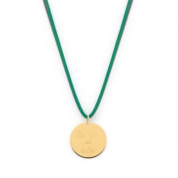 Collier grande médaille sur lien satin